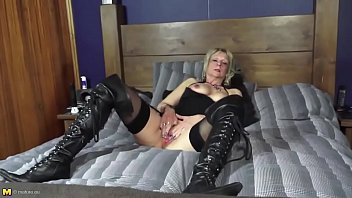 and body pussy cumms Filming boyfriend barebacking