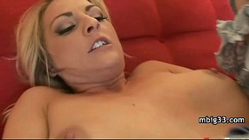 with kissing busty mom leabo Nubiles hd babe