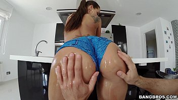 ass tits on girl shy and webcam flashing Amatrice se fait bien doigetr