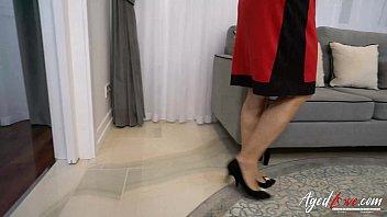 stepmother seduced vintage Saudian sex video