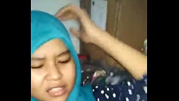 hijab indonesia tudung anak ngentot 1st time with dad