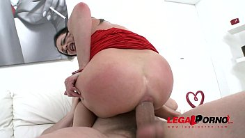 max e dott Sunny leone in hot pussy licking6