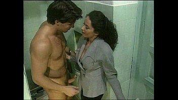 bella erika stupri Female masseuse with a guy