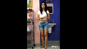 hindi clear desi Chicas de secundaria teniendo sexo con varios amigos en bos