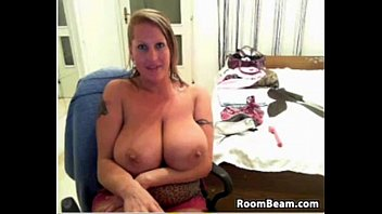 with mom busty kissing leabo Clothe measure japan
