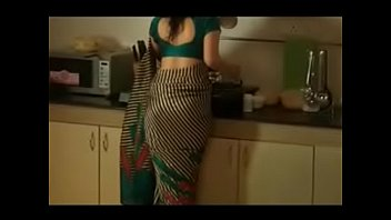 andhra saree auntys Girl bra removed and taungh a boy