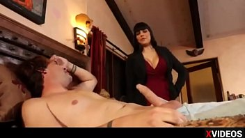 stepmom milf hot Homemade amateur treeshome