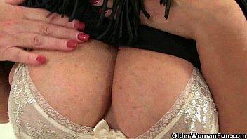 mature insertion pussy Seks melayu isteri