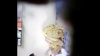 indian sonali acctress Tuga casal com outro1