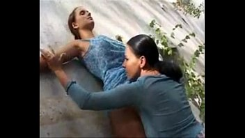girls kissing car Indian dever bhabhi sex video download