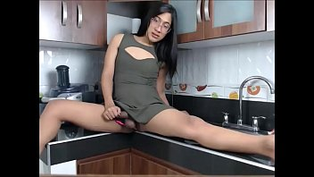 cock all this sassy in of sockets her uses p three Kareena kapootmms scandal1