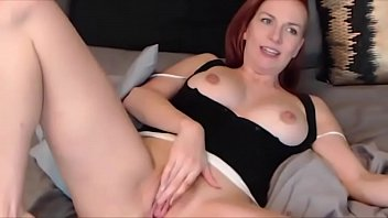red bed head Ravishing babe gives fellatio before anal riding